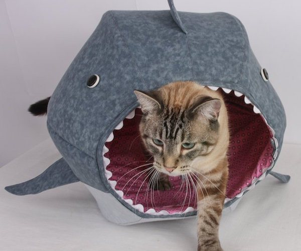 Niche pour chat design en forme de requin mygadget - Niche chat design ...