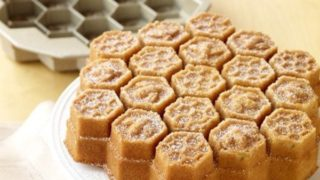 Honeycomb-Cake-Pan-by-Nordic-Ware-01